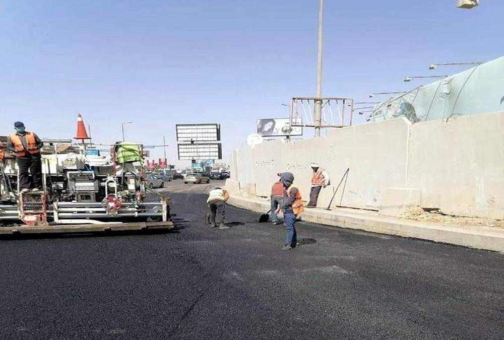 رئيس الشركة القابضة للطرق والكبارى يقوم بزيارة مفاجئة لأعمال تطوير شارع التسعين بالقاهرة الجديدة التى تقوم بها شركة النيل العامة لإنشاء الطرق