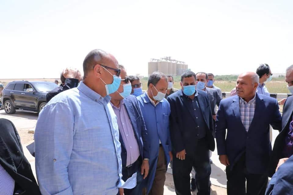 زيارة الفريق مهندس كامل الوزير وزير النقل اليوم لورش كوم ابو راضى للسكك الحديدية بمحافظة بنى سويف، حيث تشرف شركة النيل العامة لإنشاء الطرق بتنفيذ أعمال التطوير للورش.