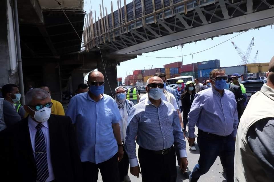 وزير النقل يتابع أعمال رفع كفاءة كوبرى الطريق الشريانى بميناء الإسكندرية تنفيذ شركة النيل العامة لإنشاء الطرق